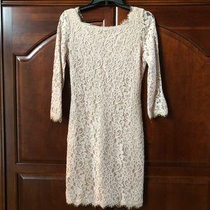 Diane Von Furstenberg Lace Dress. Size 4.